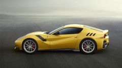 Ferrari F12tdf: vista laterale