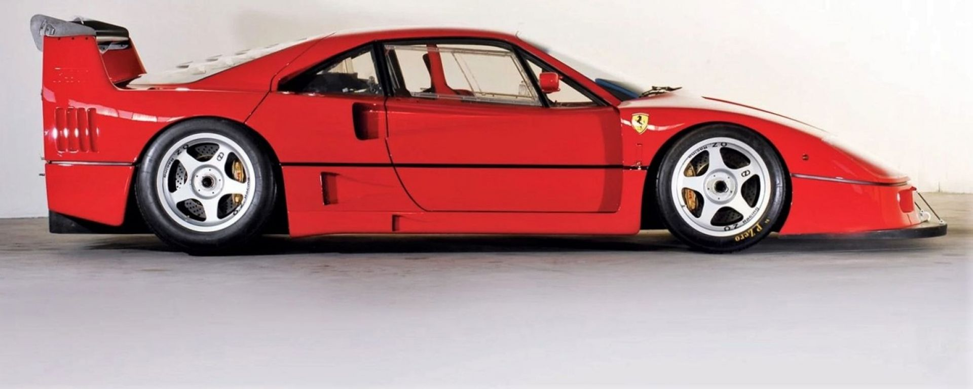Ferrari F40 LM: vista laterale