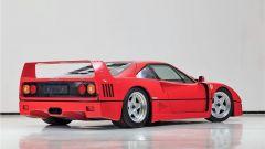 Ferrari F40: si notino i caratteristici sfoghi per l'aria in coda