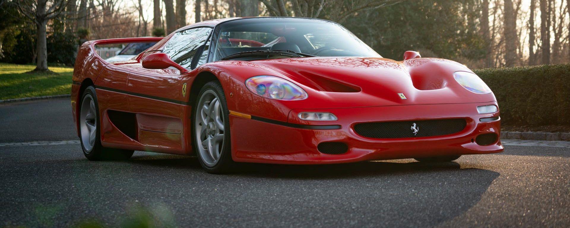 Ferrari F50 Berlinetta Prototipo: visuale di 3/4 anteriore