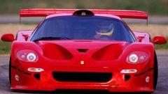 Ferrari F50 GT: il cofano con le grandi prese d'aria