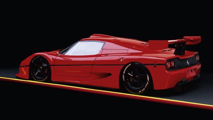 Ferrari F50 GT: la coda con il grande alettone per aumentare la deportanza