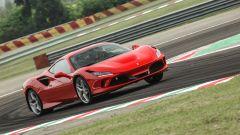 """Al volante della Ferrari F8 Tributo: dalla """"Pista"""" alla strada - Immagine: 14"""
