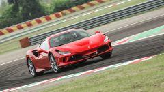 """Al volante della Ferrari F8 Tributo: dalla """"Pista"""" alla strada - Immagine: 16"""