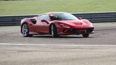 """Al volante della Ferrari F8 Tributo: dalla """"Pista"""" alla strada - Immagine: 1"""