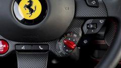 Ferrari F8 Tributo: il Manettino