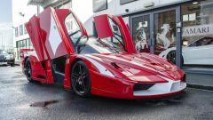 Ferrari FXX convertita stradale: dettaglio delle porte ad ali di gabbiano