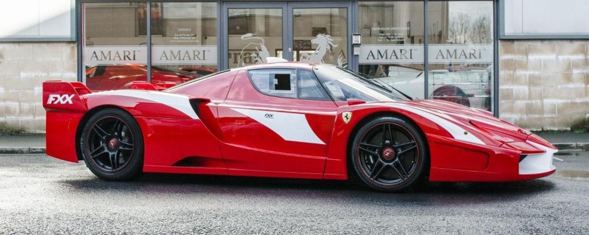 Ferrari FXX convertita stradale: vista 3/4 anteriore