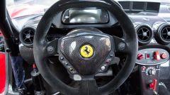 Ferrari FXX convertita stradale: volante e strumentazione
