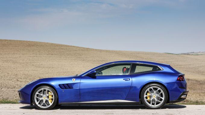 Ferrari GTC4 Lusso e GTC4 Lusso T: motori V12 aspirato e V8 turbo da 689 e 610 CV