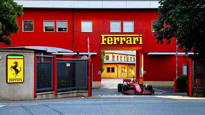 Ferrari, la SF1000 di Charles Leclerc varca i cancelli dello stabilimento storico di Maranello