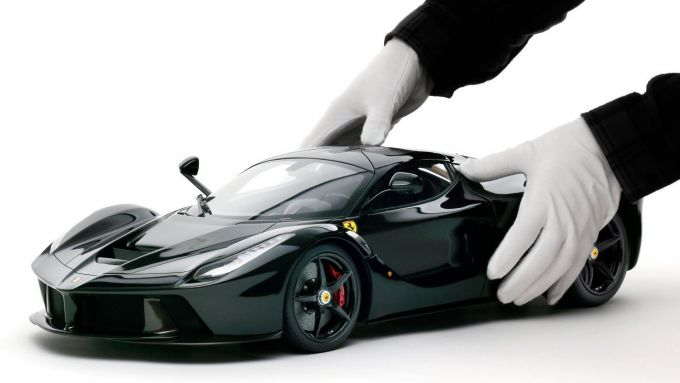 Ferrari LaFerrari nera
