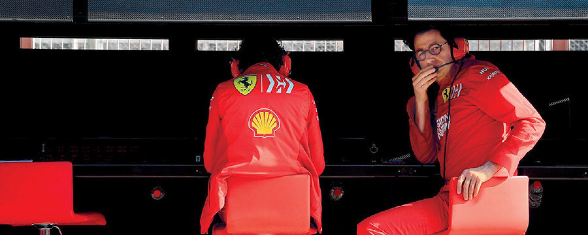 Ferrari, Mattia Binotto al muretto box del Cavallino
