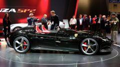 Ferrari Monza SP1 e SP2: in video dal Salone di Parigi 2018 - Immagine: 32