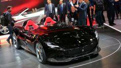 Ferrari Monza SP1 e SP2: in video dal Salone di Parigi 2018 - Immagine: 47