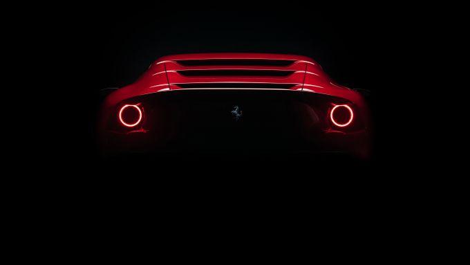 Ferrari Omologata: la coda con i fari rotondi a LED