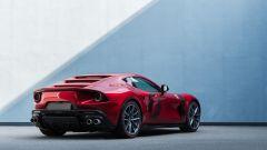 Ferrari Omologata: le linee sinuose della sportiva di Maranello
