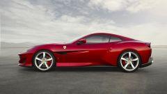 Ferrari Portofino a tetto chiuso: si noti la coda cortissima