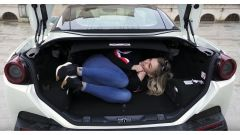 Ferrari Portofino: nel bagagliaio ci sta...l'amante! - Immagine: 4