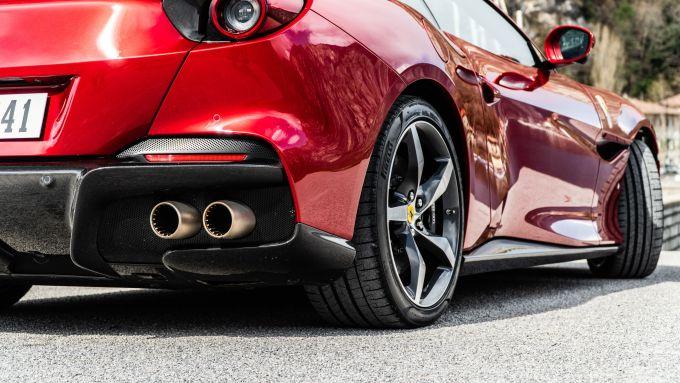 Ferrari Portofino M, la fiancata dalla 3/4 posteriore