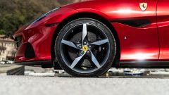 Ferrari Portofino M, ruota e fianchetto anteriore