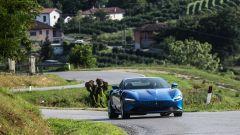Ferrari Roma: ritorno alle origini. Il video della prova su strada - Immagine: 1