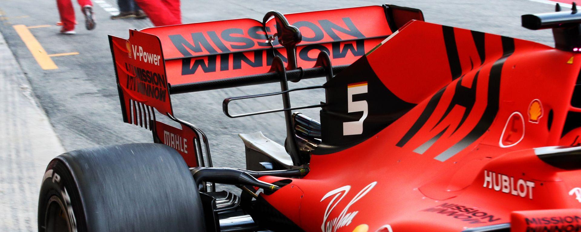 Ferrari SF90, il dettaglio dell'ala posteriore nei test F1 di Barcellona