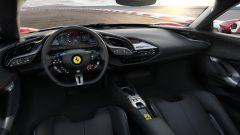 Ferrari SF90 Stradale: interni