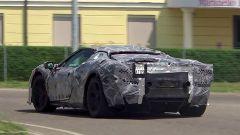 Nuova Ferrari V6 Hybrid spiata in video. Il sound? Alza il volume - Immagine: 2