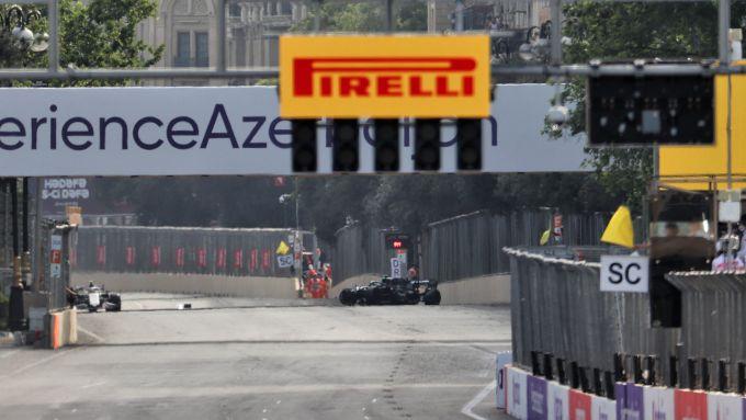 fF1 GP Azerbaijan 2021, Baku: l'incidente di Lance Stroll (Aston Martin Racing)