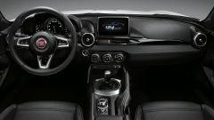 Fiat 124 Spider: test drive su strada, video e listino prezzi - Immagine: 36