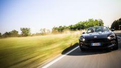 """Fiat 124 Spider: la gioia del """"senza"""" - Immagine: 5"""