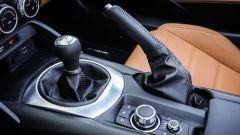 """Fiat 124 Spider: la gioia del """"senza"""" - Immagine: 17"""