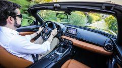 """Fiat 124 Spider: la gioia del """"senza"""" - Immagine: 24"""