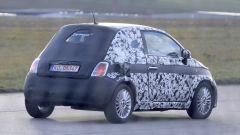 Fiat 500 elettrica 2020: vista 3/4 posteriore