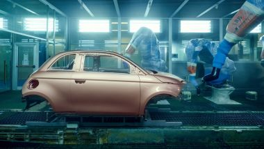 Fiat 500 elettrica, a Mirafiori ritmi più bassi del previsto