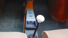Fiat 500 elettrica by Officine Ruggenti: nonostante il kit, il cambio rimane quello originale