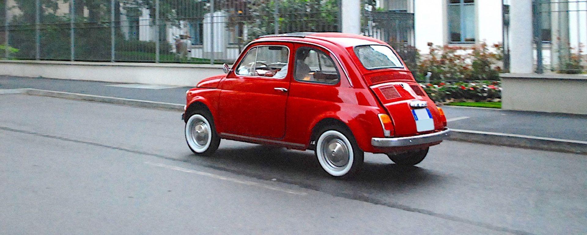 Fiat 500 elettrica by Officine Ruggenti: vista 3/4 posteriore
