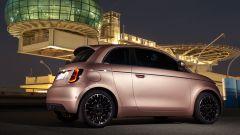 Nuova Fiat 500 elettrica, ritorno al futuro. Com'è fatta e come va [VIDEO] - Immagine: 10