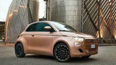 Nuova Fiat 500 elettrica, ritorno al futuro. Com'è fatta e come va [VIDEO] - Immagine: 16