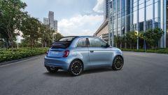Nuova Fiat 500 elettrica, ritorno al futuro. Com'è fatta e come va [VIDEO] - Immagine: 33