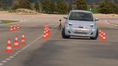 Fiat 500 elettrica, quali reazioni alla prova dell'alce?