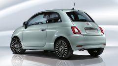 Fiat 500 Hybrid: visuale di 3/4 posteriore