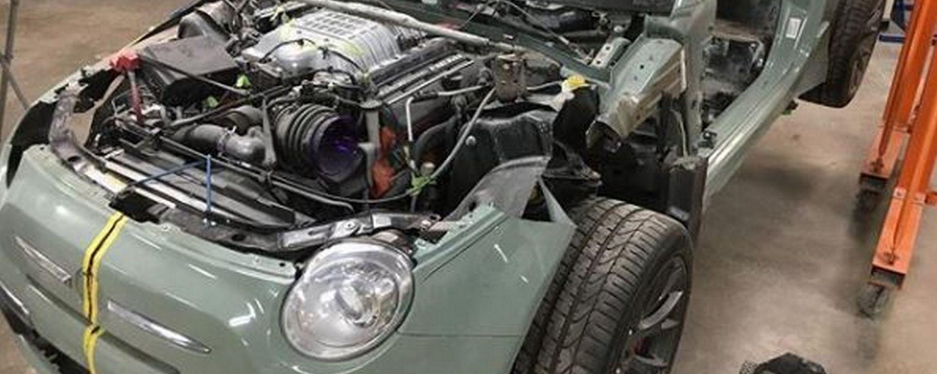 Fiat 500, il trapianto del V8 Hellcat