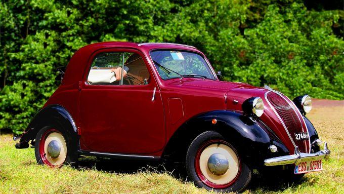Fiat 500 Topolino - foto di Di Lothar Spurzem CC BY-SA 2.0 de, https://commons.wikimedia.org/w/index.php?curid=58815564
