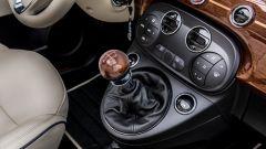 Fiat 500C Riva: il pomello del cambio in mogano