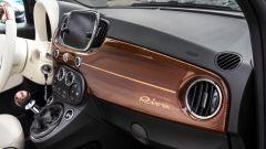 Fiat 500C Riva: la plancia in mogano con intarsi in acero