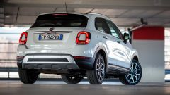 Fiat 500X Cross: vista 3/4 posteriore