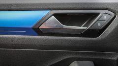 Fiat 500X Mirror vs Volkswagen T-Roc Style: sfida per il trono - Immagine: 24