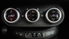 Fiat 500X Mirror vs Volkswagen T-Roc Style: sfida per il trono - Immagine: 61